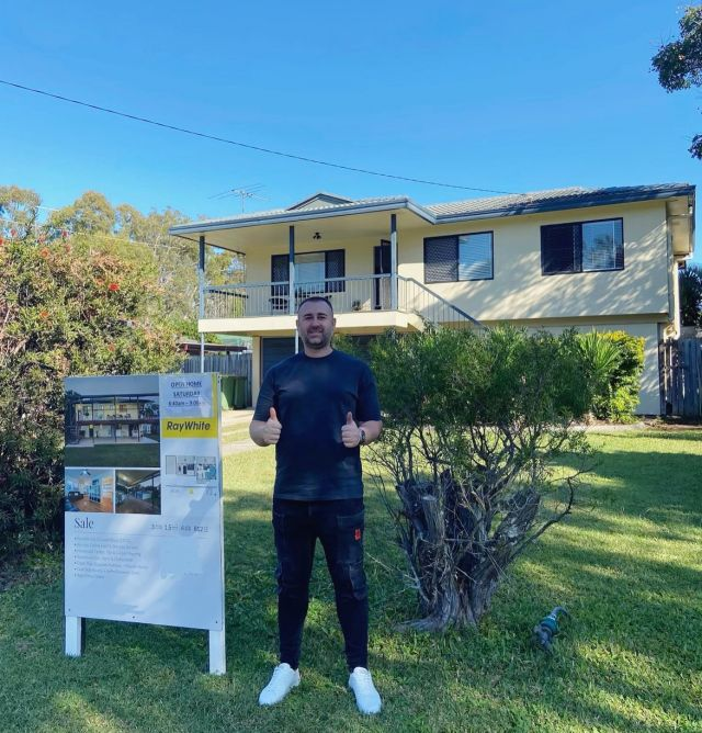 Nick recently visited his investment we purchased for him & couldn't be happier!🏡  We purchased this low maintenance property pre-market for $701,000 on a large 812sqm, subdividable block. The property sits in a scarce location walking distance to shops, state schools, transport & hospital.  Located in a prime area that is mainly owner occupier, close to water & with little supply of land, this property makes a great investment!  For more information about our full service buyers agency, contact us at www.ypyw.com.au.  #investmentproperty #realestate #investor #buyersagent #wealthcreation #property #assets #ypyw