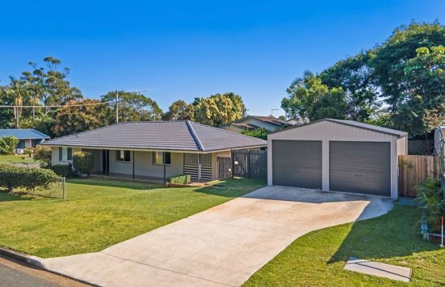 JUST SETTLED!🏡  This investment is bound to give investors envy!🙌🏼  Purchased for $620k, renting for $600/week.  ✔️ Subdividable corner block with side access  ✔️Fully renovated 4 bed, 2 bath, 2 car garage  ✔️Minutes to the water ✔️Minutes to shops, schools, uni & hospital  ✔️A commutable distance to the Brisbane CBD & airport ✔️Positive cashflow ✔️All in purchase costs needed including our fee is 100k using a 12% deposit  If you want help finding quality investment grade properties in high growth areas, contact us today at info@ypyw.com.au for more information.