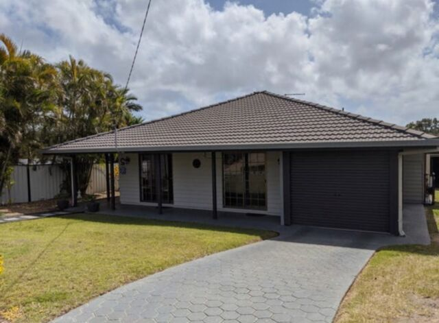 We recently secured this off-market property for first time investors Alyise & Brendan.   The property was purchased at least $30k under market value for $540,000 with rent potential of $520 per week.   ✔️Neat home situated on a large 748sqm block with side access & huge shed ✔️Owner occupier location with only 15% rentals & zero public housing ✔️Only 26km to the Brissy CBD ✔️ Sought after location close to water ✔️Positive cashflow ✔️previous 12 month growth of 25%  Congratulations Alyise & Brendan 👏🏼  #investmentproperty #investors #realestate #buyersagent #wealthcreation #ypyw